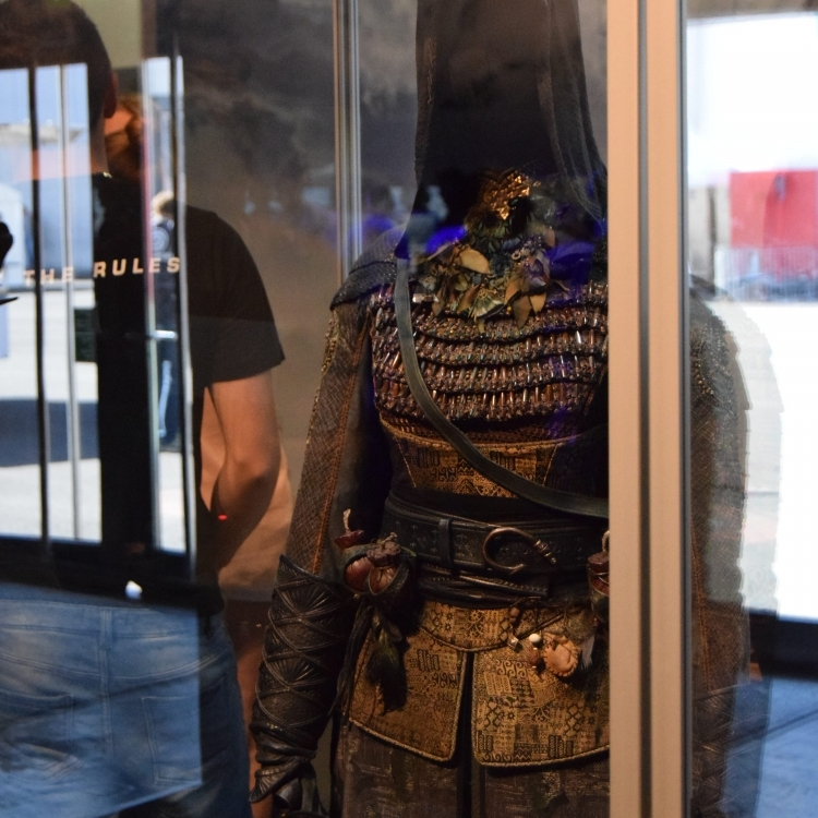 Maria's outfit displayed on a mannequin at Gamescom